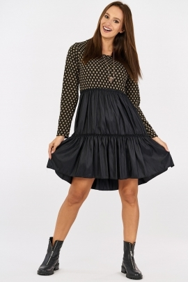 Trendy dress with wide skirt with ruffles SU8981